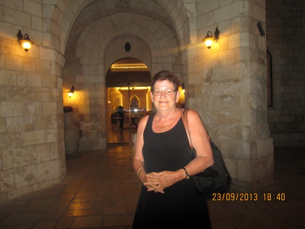 Jeanette outside Notre Dam Cathedral