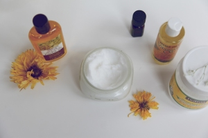 Homemade-coconut-lavender-conditioner-ingredients
